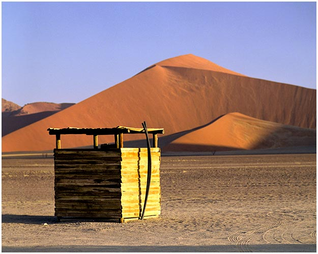 Toilets-of-the-World-by-Sian-James-16